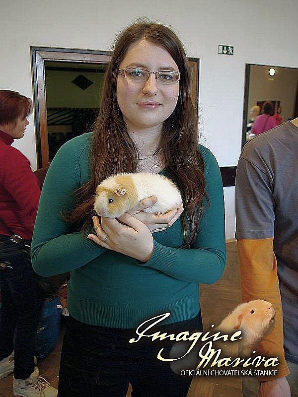 Clementine Cavia Ania s paničkou